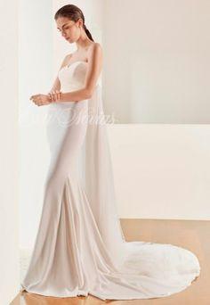 Vestido novia de Patricia Avendaño colección 2017 Modelo 2705 en Eva Novias Madrid.   #weddingdress #bridalfashion #bridalinspiration #vestido #novia #coleccion #2017 #Patriciaavendaño