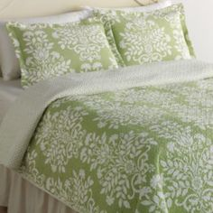 Laura Ashley Lifestyles Rowland Floral Quilt Set