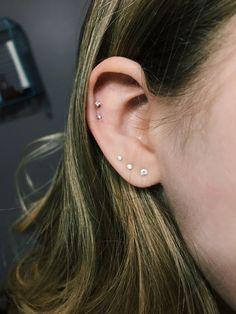 Dainty Ear Piercings Cute in attachment with category Piercings Ear Piercing Studs, Cute Ear Piercings, Fake Piercing, Body Piercings, Ear Jewelry, Bridal Jewelry, Tragus, Fancy Earrings, Stud Earrings