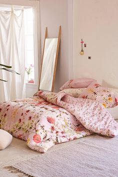 Shop Daniella Floral Comforter at Urban Outfitters today. We carry all the latest styles, colors and brands for you to choose from right here. My New Room, My Room, Bedroom Inspo, Bedroom Decor, Bedroom Ideas, Feminine Bedroom, Floral Bedroom, Bedroom Romantic, Floral Comforter