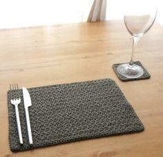 crochet placemat; so smart!