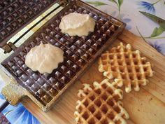 Cristina's world: Faguri cu crema de ciocolata Cake Recipes, Dessert Recipes, Food Cakes, Biscuits, Cooking Recipes, Ice Cream, Vegetarian, Sweets, Breakfast