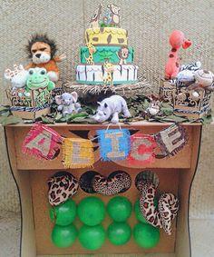 """11 curtidas, 1 comentários - Lhaflex (@lhaflexfestas) no Instagram: """"Festa Safari da pequena Alice, Parabéns princesinha 🎉 🎁 😄 🎈  #festasafari #festa #festasafaribaby…"""""""