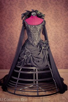 Vestido Reina de los Cuervos por CostureroReal en Etsy