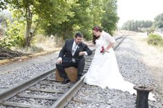 ramo de tela para novia de rosas blancas y rojas de algodón de luna con Mary José Rodríguez 606619349 algodondeluna@gmail.com