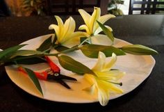 """How to get """"two for one"""" with your store bought or fresh market lilies // sarah von pollaro"""