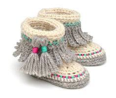 CROCHET PATTERN - PDF Pattern - INSTANT DOWNLOAD Baby Moccasin Shoes - This is a PATTERN and NOT a finished item. Discounts offered for bulk purchases of patterns:- Any 2 patterns for $10.00 use code: 24TEN Any 3 patterns for $14.00 use code: 34FOURTEEN Any 4 patterns for $17.00 use