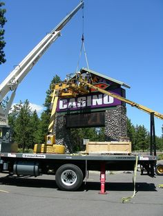 Casino Signage | Pylon Sign | Illuminated Signage | Electronic Message Center | Kla-Mo-Ya Casino by I-5 Design & Manufacture