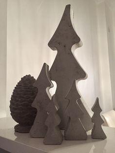 ...und da ist auch schon wieder Weihnachten... mit Weihnachtsbäumen aus Beton