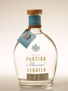 With its distinctive scents of blue agave, Partida Blanco Tequila is as brilliant as the Mexican sunshine. Boasting a soft floral aroma and blended perfectly. Tequila Bottles, Liquor Bottles, Vodka Bottle, Brands Of Tequila, Best Tequila, Tequila Tequila, Tequila Tasting, Silver Tequila, Buy Wine Online