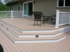 steps down to deck