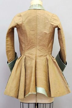 Riding jacket Date: early century Culture: probably French Medium: silk, wool Dimensions: Length at CB: 30 in. cm) Credit Line: Gift of Karl Lagerfeld, 2010 Accession Number: 18th Century Dress, 18th Century Costume, 18th Century Clothing, 18th Century Fashion, 19th Century, Historical Costume, Historical Clothing, Vintage Outfits, Vintage Fashion