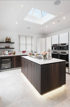 Contemporary Kitchen. Beautiful Contemporary Kitchen Design Ideas. #Contemporary #Kitchen