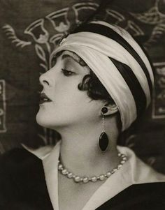 Utter Glamour of the 20's | The Decophile