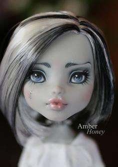 Skull Shores Frankie repaint - face by Amber-Honey.deviantart.com on @deviantART