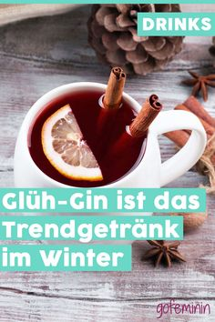 The trend drink in winter: We are now drinking glow gin - Easy Detox Cleanse Winter Drinks, Winter Food, Easy Detox Cleanse, Hotarubi No Mori, Vegetable Drinks, Christmas Drinks, Healthy Eating Tips, Healthy Nutrition, Gin And Tonic