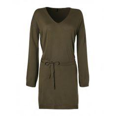 Vestito maniche lunghe, con profondo scollo a V, in misto lana tinta unita, cinturina in tessuto in vita. United Colors of Benetton.