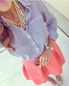 Preppy summer look! Just what I need for my new salmon pink skirt Preppy summer look! Just what I need for my new salmon pink skirt Preppy Outfits, Mode Outfits, Spring Outfits, Preppy Clothes, Sorority Outfits, Rush Outfits, Outfit Summer, Casual Clothes, Work Clothes