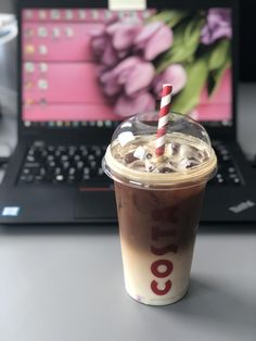 Coffee ideas tulip spring laptop business office life costa ice coffee latte macchiato pink laptop notebook Coffee Latte, Iced Coffee, Pink Laptop, Latte Macchiato, Coffee Ideas, Starbucks Mugs, Tea Accessories, Mocha, Tulip