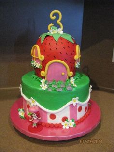 Strawberry Shortcake Birthday Cake - I would've loved this as a little girl!!