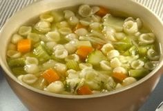 Minestrone é uma sopa que combina com noites frias