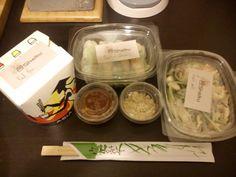 SHOKU, IL MIGLIOR THAILANDESE !!!  Le nostre due amiche Martina e Gaia sono ormai delle clienti affezionate di questo ristorante... Ecco la foto fatta da loro di quel che hanno ordinato ;-)
