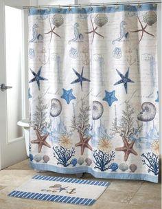 un rideau de douche à motifs nautiques - étoiles de mer et coquillages