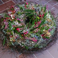 Autumn Wreaths For Front Door, Country Wreaths, Fall Wreaths, Christmas Wreaths, Coastal Christmas, Xmas Decorations, Flower Decorations, Fall Decor, Holiday Decor