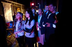 """First Lady Michelle Obama watches a performance backstage with iCarly cast members. Obama joined the cast of Nickelodeon's iCarly at a special screening of """"iMeet The First Lady. Icarly Cast, Obama Watch, Thats 70 Show, Two Broke Girl, Obama Photos, American First Ladies, Miranda Cosgrove, Jennette Mccurdy, Great Memories"""