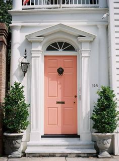 Front Door Paint Colors - Want a quick makeover? Paint your front door a different color. Here a pretty front door color ideas to improve your home's curb appeal and add more style! Coral Front Doors, Coral Door, Front Door Colors, Yellow Doors, Exterior Design, Interior And Exterior, Interior Doors, Home Design, Design Ideas