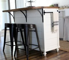 Kitchen island with seating (small kitchen island ideas) Tags: kitchen island diy kitchen island size kitchen island on wheels kitchen island narrow kitchen island storage Rolling Kitchen Island, Kitchen Island Bar, Farmhouse Kitchen Island, Kitchen Island With Seating, Kitchen Redo, Kitchen Remodel, Movable Island Kitchen, Kitchen Ideas, Kitchen Island With Wheels