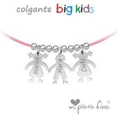 """Colgante """"BIG KIDS"""" niños en plata de ley grabado  personalizado con su nombre. Colgante de caucho rosa con cierre de plata. #joyasquehablandeti #miplatafina"""