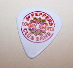 ENTERTAINMENT Guitar pick - tells you where it is and if it's about to break
