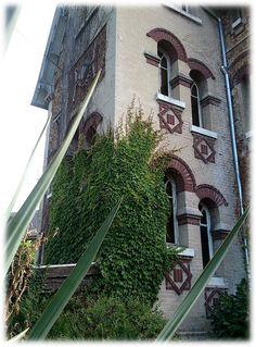 """Fenêtres Art Nouveau - Villa """"Les Lauriers"""", 1906 - Pont de l'Arche (France, 27340).."""