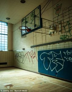 One of Cleveland's abandoned YMCA facilities... http://dailym.ai/1mEsTfG#i-5e600d3d