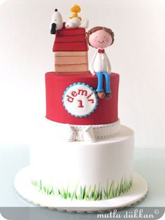 BİRİNCİ YAŞ DOĞUM GÜNÜ PARTİSİ Party cupcakes-birthday -dogumgunu pastası- butik pasta, şeker hamuru, insan figürü,yetişkinlere, kadınlara, erkeklere, çocuklara, doğum günü, doğumgünü, yaş pasta, ankara, doğal, katkısız, sağlıklı, kişiyeözeltasarım, kişiyeözel, tasarım /birthday cake-party cake- Fondant Cake Designs, Fondant Cakes, Beautiful Cakes, Amazing Cakes, Snoopy Cake, Dessert Oreo, Baby Birthday Cakes, Just Cakes, Cakes For Boys