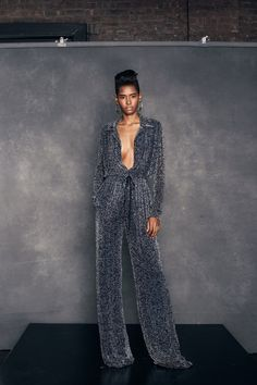 View the full Resort 2018 collection from Naeem Khan.