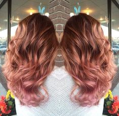 Are you looking for rose gold hair color hairstyles? See our collection full of rose gold hair color hairstyles and get inspired! Cabelo Rose Gold, Rose Gold Hair, Pink Hair, Gold Hair Colors, Ombre Hair, Ombre Rose, Blonde Hair, Hair Today, Gorgeous Hair
