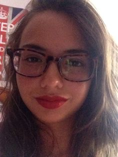 New post on ladylouboutin beauty.blogspot.com.es/2014/08/make-up-tips-for-women-with-glasses.html