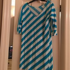Lilly Pulitzer Dress & Scarf- Eliza  - S Like new! Lilly comfortable v-neck dress with 3/4 length sleeves. Cotton is cool for summer and colors are vibrant and happy! Matching Scarf can be used as a shawl or tied many different ways! Lilly Pulitzer Dresses
