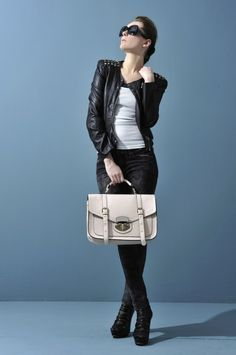 Buying Tips for Cheap HandbagsPosted on July 20, 2013 by AimeeEven if your buyer that the fake Gucci handbag is a fake tell, they still engage in trafficking in counterfeit goods. Fashion handbags and purses are ingredients to a woman's beauty and modernity.