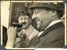 Finally this crazy photo can be posted in higher resolution and in better quality. This is said to be the actual original photo, from of a wild-haired Hitler watching a man fiddle with a camera. The auction house who sold it says that it was. Strange Photos, Rare Photos, Nuremberg Rally, Ww2 Posters, Nazi Propaganda, Germany Ww2, The Third Reich, Korean War, Historical Photos