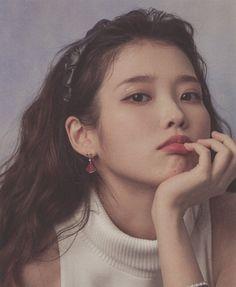 Iu Twitter, Iu Hair, Iu Fashion, Girl Photo Poses, Korean Actresses, K Idols, Photo Book, Kpop Girls, Girl Group