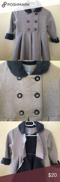 Mac & Co Grey Sweat Coat Sz 6-7 Awesome sweat grey coat with buttons, in good condition, no spots, no pulls, no stains. Very cute for a little girl size 6-7 Pretty buttons Very light Jackets & Coats Pea Coats