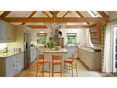Weir House - The Big Cottage Company - Cotswolds Holiday Cottage - Kate & Tom's - stylish kitchen at Weir House in the Cotswolds Farmhouse Kitchen Tables, Farmhouse Decor, Homes England, Open Plan Kitchen Diner, Luxury Holiday Cottages, Stylish Kitchen, Luxury Holidays, Sweet Home, Home