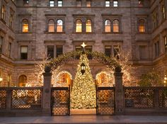 The ideal base for a New York Christmas shopping trip ...