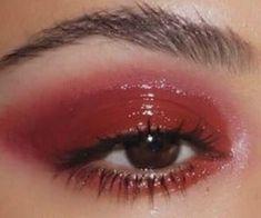 Image about makeup in red 💌 by ; Red Lip Makeup, Glossy Makeup, Cute Makeup, Pretty Makeup, Glossy Eyes, Makeup Inspo, Makeup Art, Makeup Inspiration, Beauty Makeup