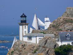 Le phare du gardien de l'île Louët au large de Carantec / Pascal LANNUZEL - Finistère Bretagne