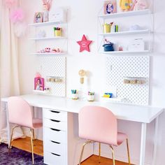 Here's What's Trending in the Nursery this Week - - teenager zimmer mädchen - Double Desk, Girl Desk, Teen Desk, Kids Office, Office Desk, Bookshelves Kids, Creative Bookshelves, White Bookshelves, Bedroom Desk