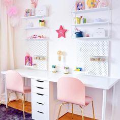 Here's What's Trending in the Nursery this Week - - teenager zimmer mädchen - Teen Girl Bedrooms, Big Girl Rooms, Boy Rooms, Double Desk, Girl Desk, Kids Office, Office Desk, Bookshelves Kids, Creative Bookshelves